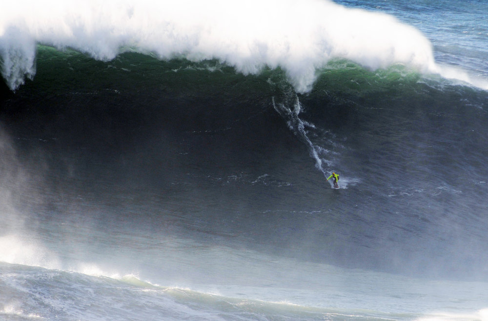 Dave Langer at Nazaré by Riancho