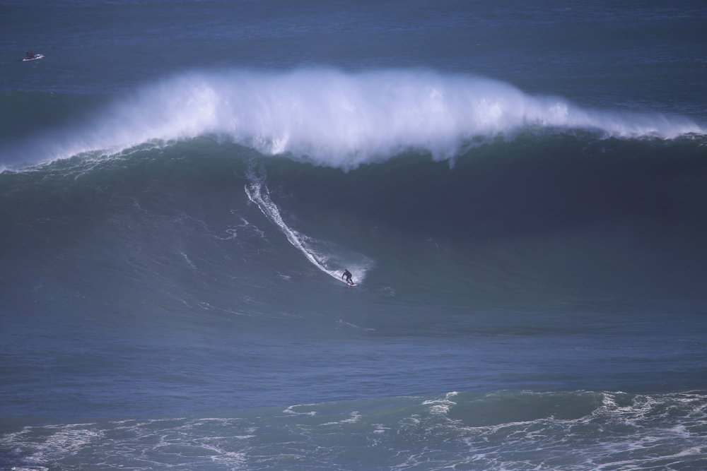 Mick Corbett at Nazaré by Botelho