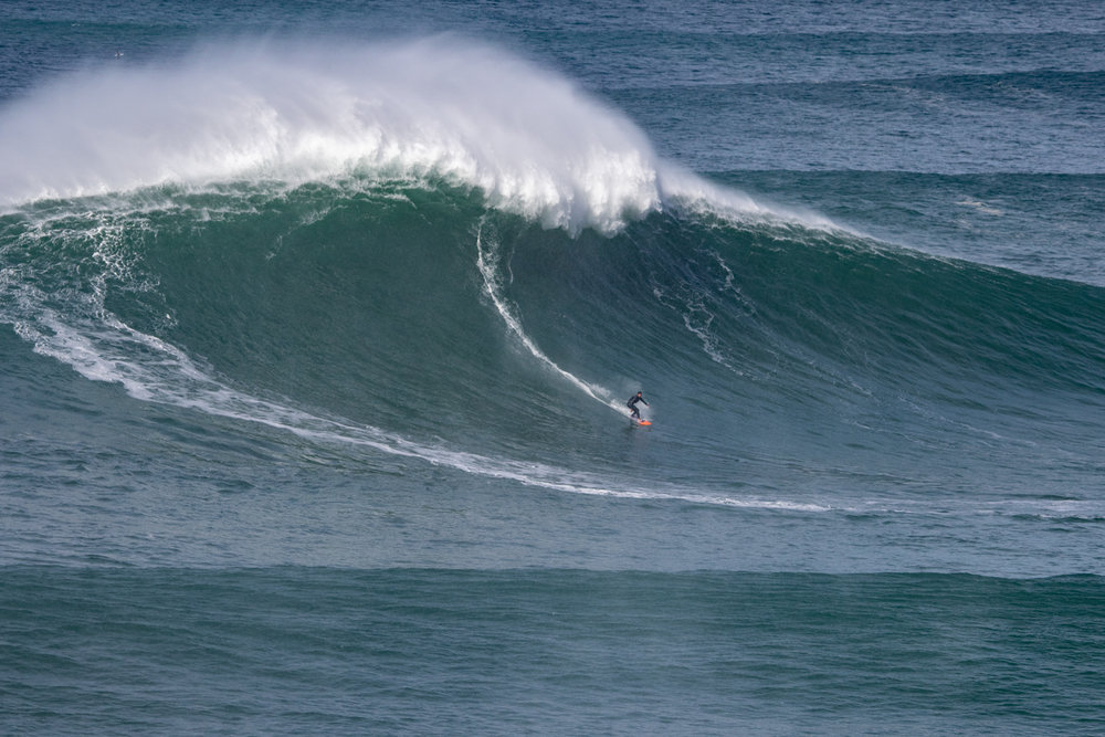 Rafael Tapia at Nazaré by Soares