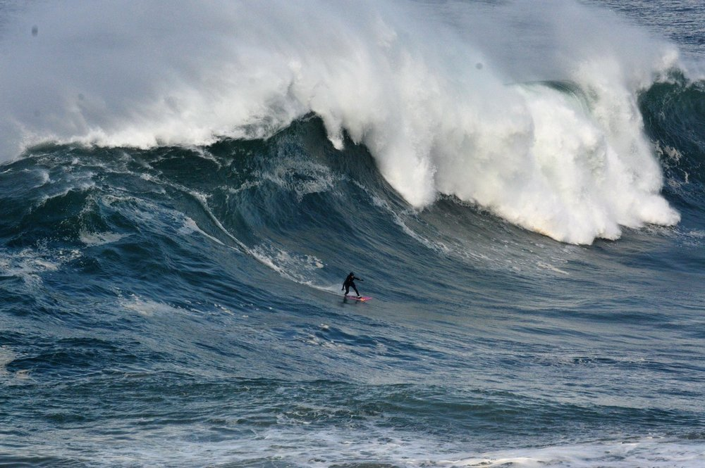 Justine Dupont at Nazaré 1 by Ricardo