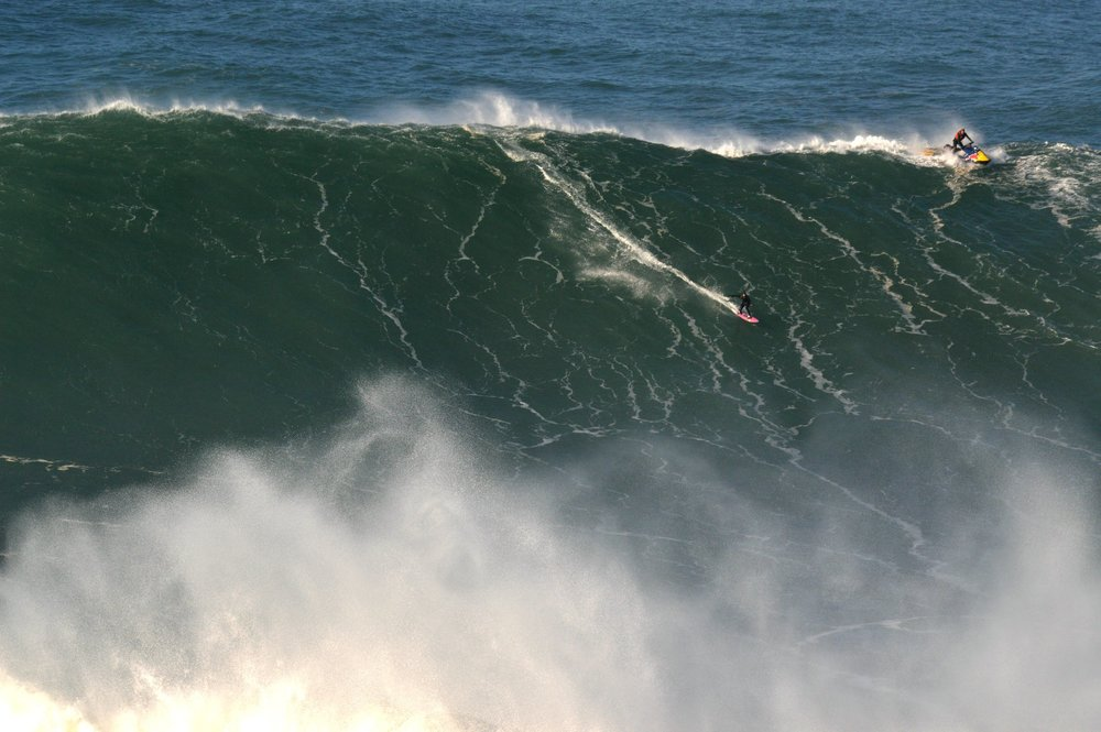 Justine Dupont at Nazaré by Ricardo