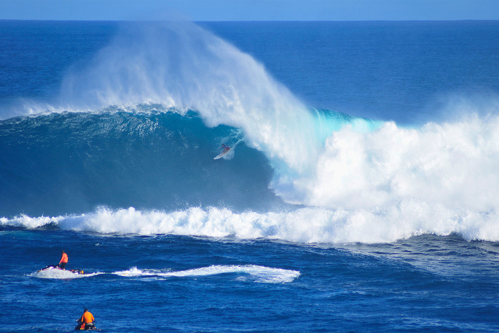 Aaron Gold at Jaws by Carbajal