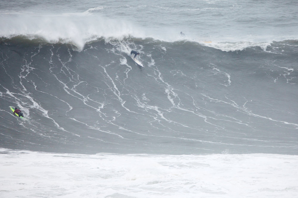 Tom Lowe at Nazaré 1 by Shannon Reporting