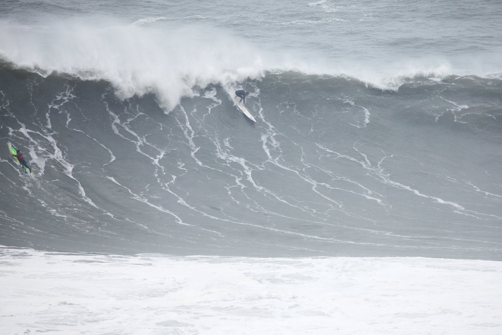 Tom Lowe at Nazaré 2 by Shannon Reporting