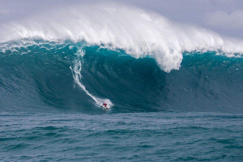 Kai Lenny at Jaws by Pompermayer
