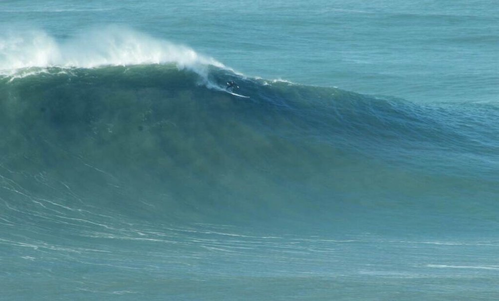 Trevor Carlson at Nazaré by Elias