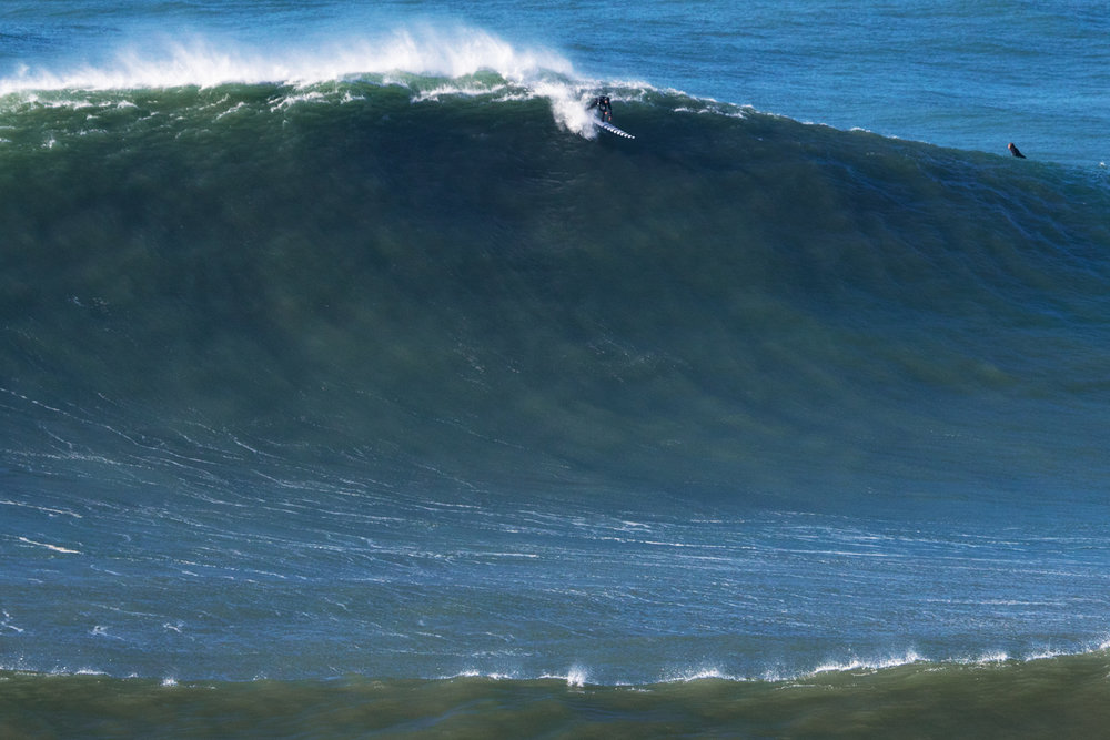 Trevor Carlson at Nazaré by Soares