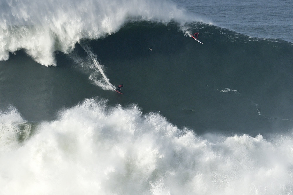 Lucas Chianca at Nazaré by Carminati