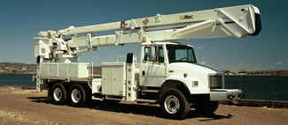 NON-OVERCENTER Altec offers a wide variety of Non-Overcenter Aerial Devices with working heights up to 150.0 ft. Whether you are tree trimming or working on distribution/transmission lines, Altec has the equipment you need to get the job done. For more information, select the model that fits your application or specifications.