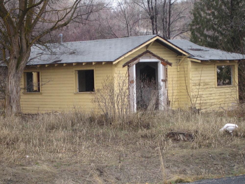 Derelict Housing 05.jpg