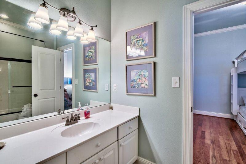 Third Floor Jack & Jill Bathroom