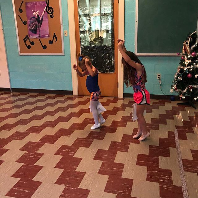 We practice tiny steps by holding a tissue between our knees! What a great trick for getting kids to practice!  #dancealiciousds #dancestudio #myerstown #ballet #danceclass #dancecrew #dancemom #practiceballet #dancer #ballerina #babyballerinas