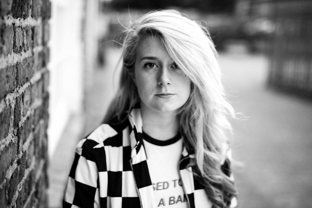 Lauren Deakin Davies-3.jpg