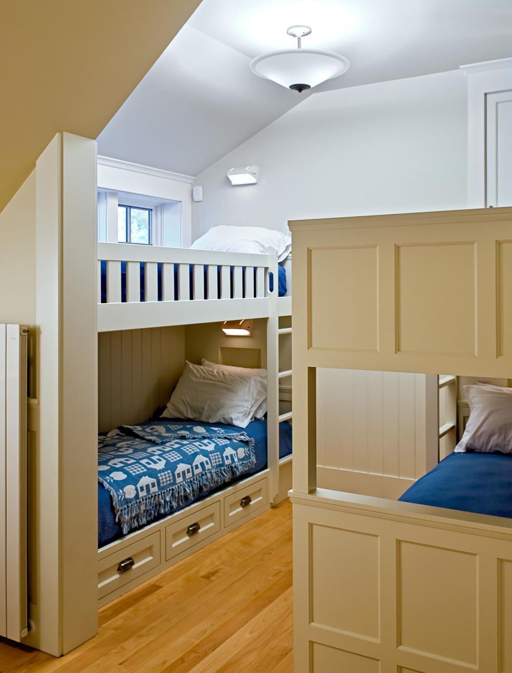 19 Bunk bedroom.jpg