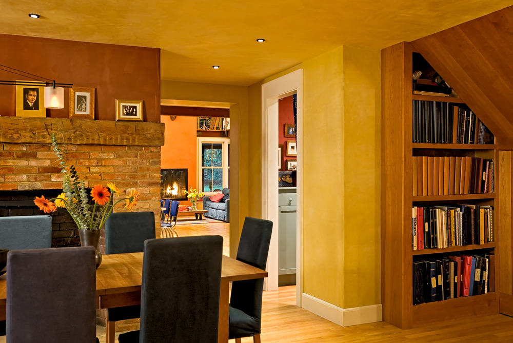 08 Dining Room Showing Bookcase
