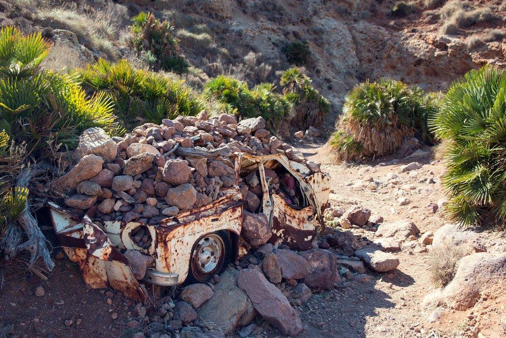 Car wreck in Majada Redonda.