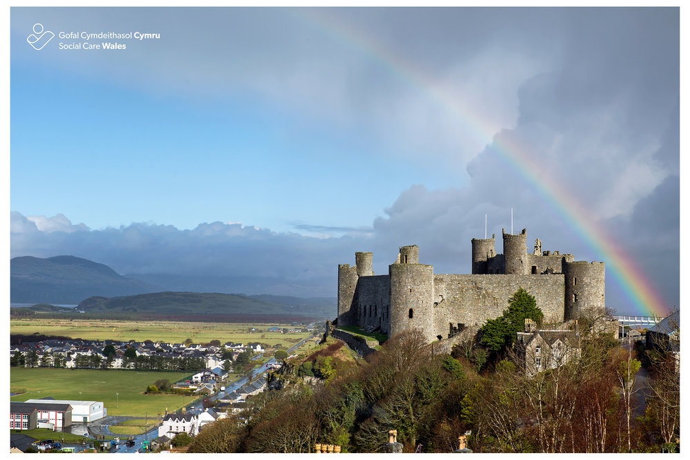 Harlech Castle, North Wales.jpg