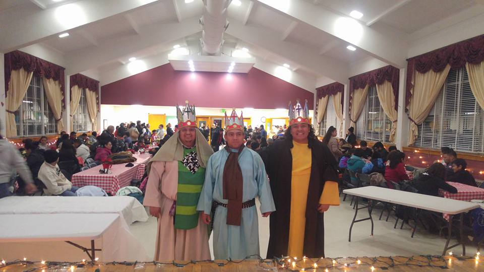 Celebrando el dia de reyes en San Mateo / Celebrating the day of kings at St. Matthew's