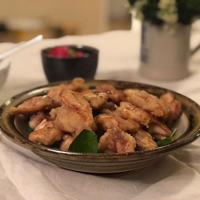 Home-made karaage courtesy of my bro & sis-in-law - oishii! . . . #londonfood #londonfoodie #eeeats #eeeeeats #instafood #homecooking #deliciousfood #homemade #japanesefood #karaage #otsumami