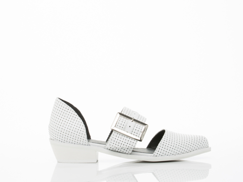 YES-shoes-Kharan-(White-Perf)-010604.jpg