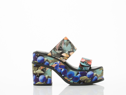 YES-shoes-Yachats-(Blue-Multi)-010604.jpg