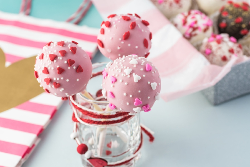 Valentines Day Cake Pops Table To Soul