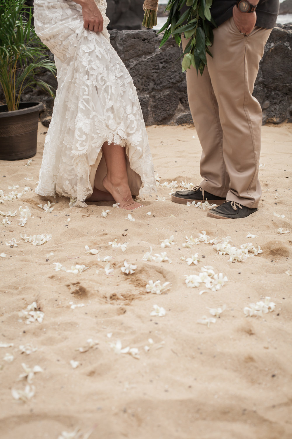 big island hawaii royal kona resort beach wedding © kelilina photography 20170520173821.jpg