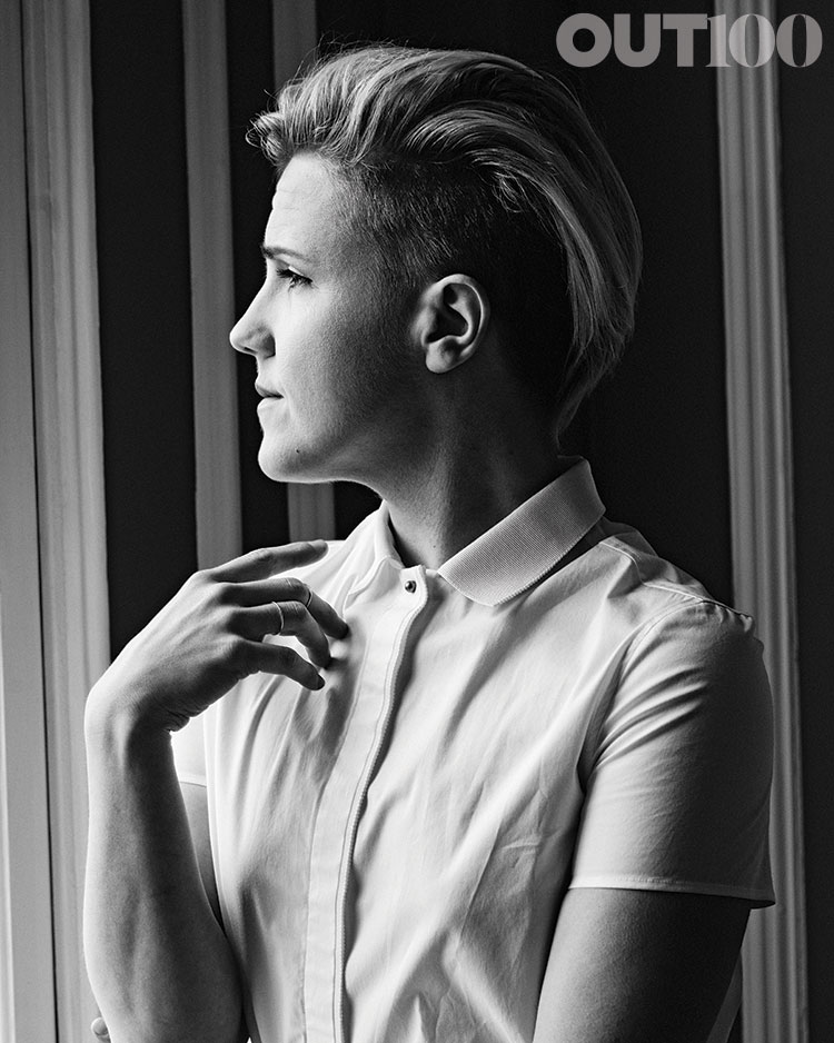 HANNAH HART FOR OUT MAG SHOT BY: RYAN PFLUGER