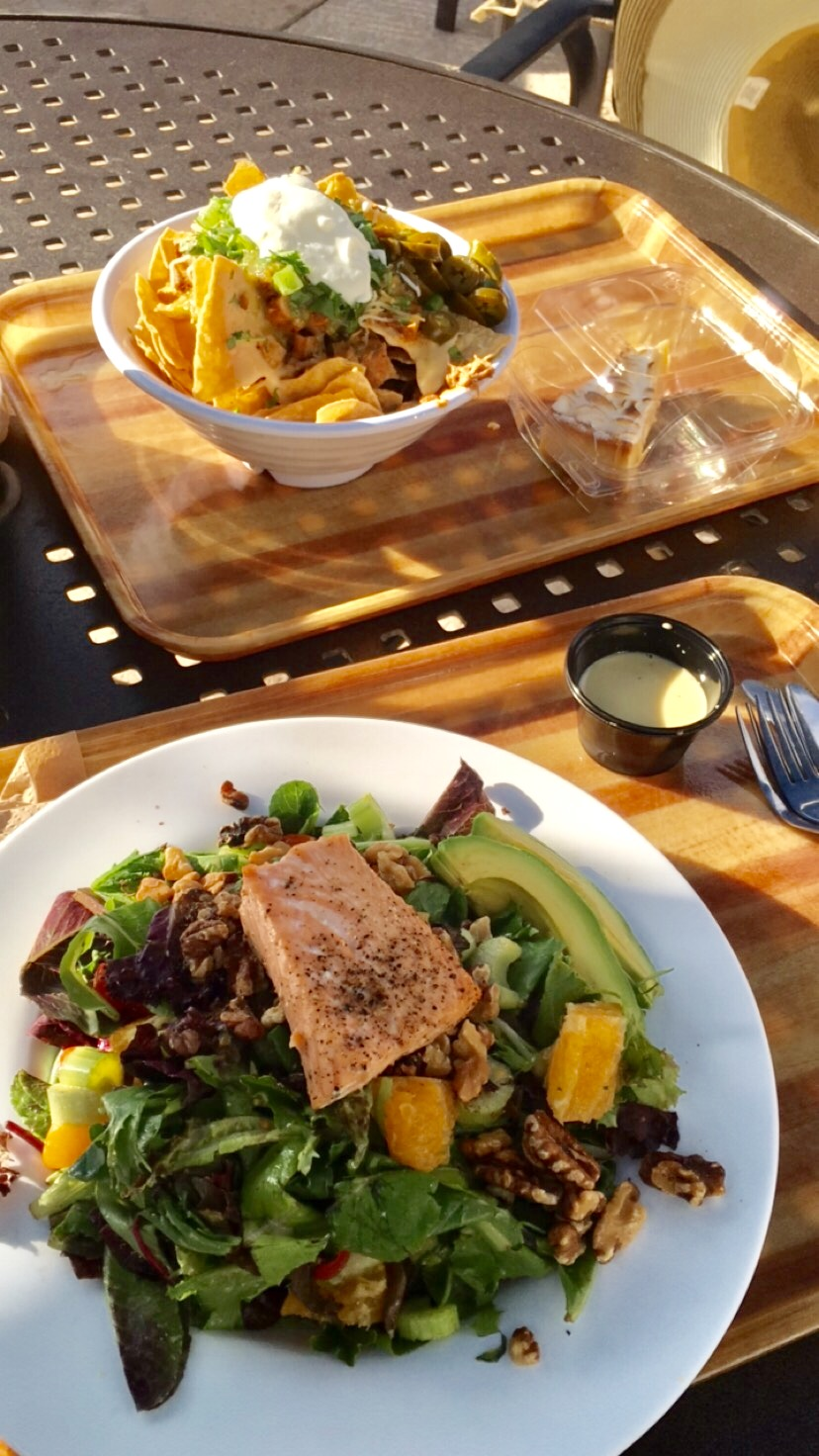Glen Ivy Kitchen - There is a restaurant that serves yummy food and healthy options if you want to grab a bite. We ordered nachos and a wild salmon salad as a late lunch, and also treated ourselves with some indulgent desserts!