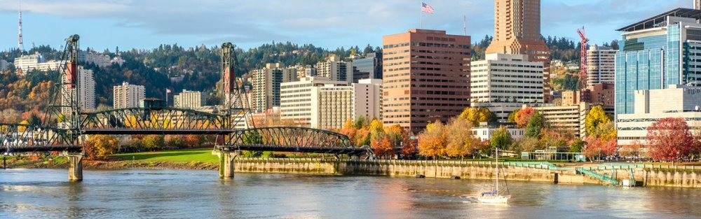 portland-city-skyline-at-autumn-picture-id838416978.jpg
