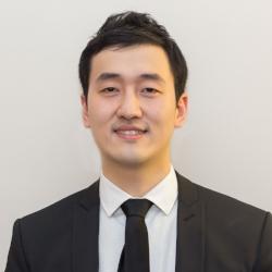 Li Chen Headshot.jpg