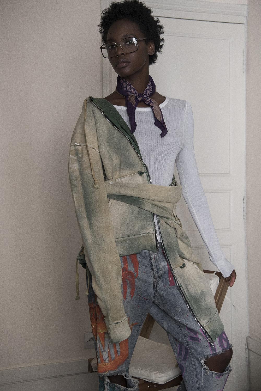 top, sweatshirt + jeans faith connexion foulard + eyeglasses vintage
