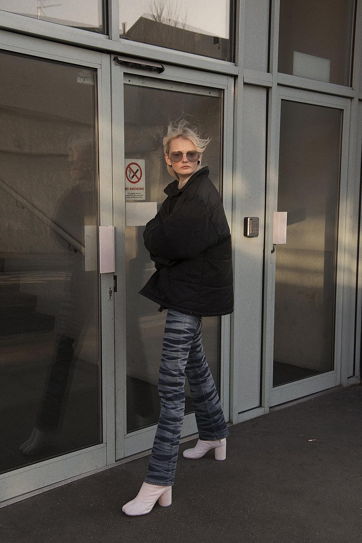 sunglasses  vintage  puffer jacket  vintage  jeans  dkny  shoes  maison martin margiela