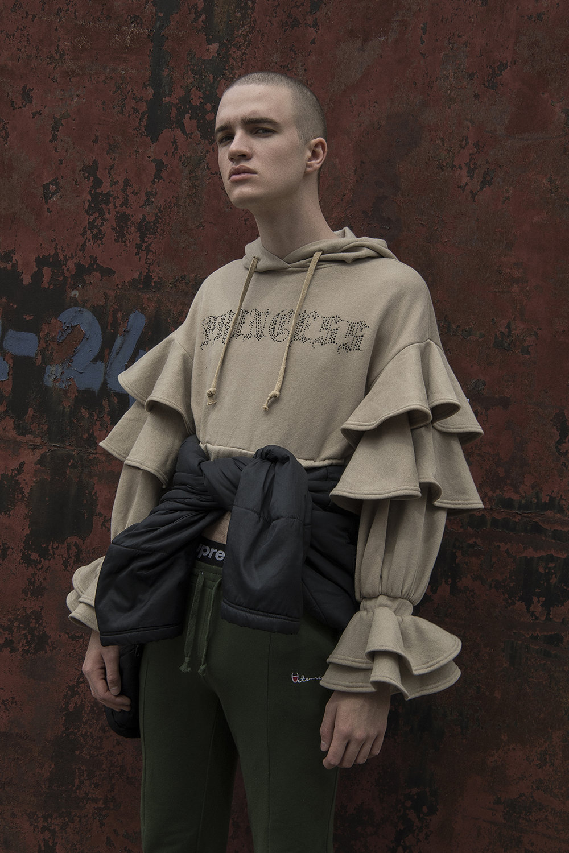 hoodie  irene sj yu  trousers  vetements  boxers  supreme  coat around waist  nike