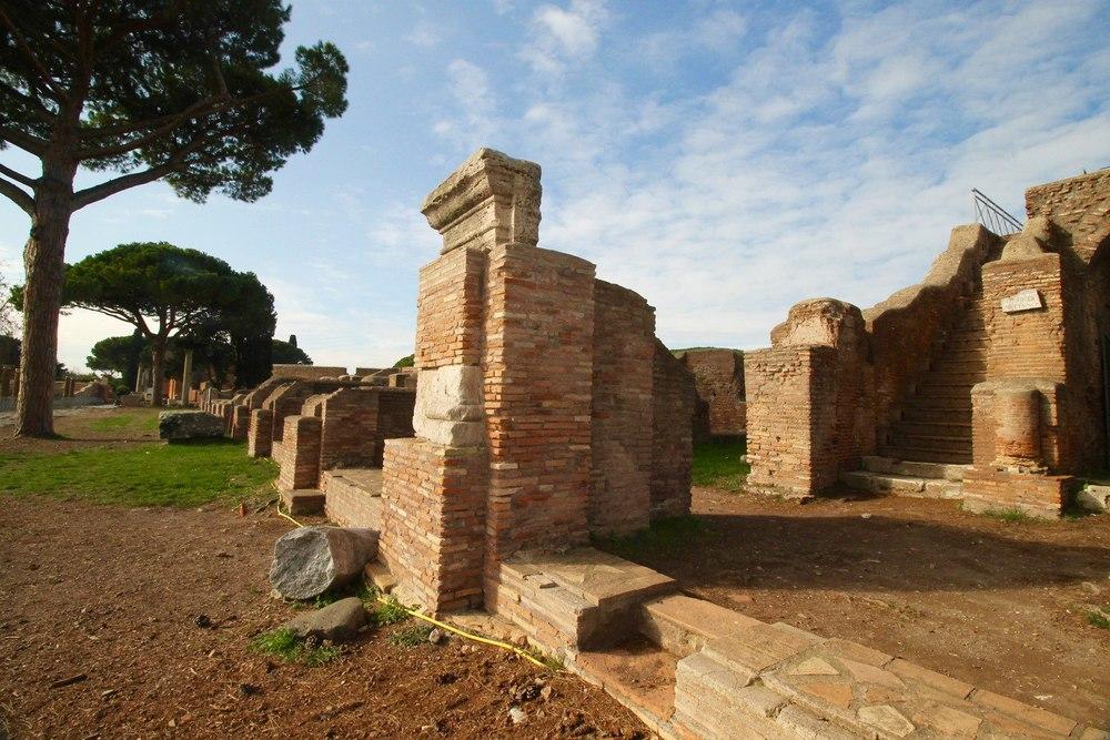 Ostia Antica Ruins.jpg