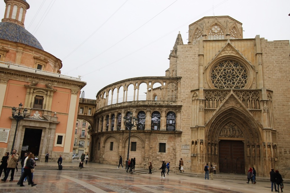 Valencia travel guide Plaza de la Reina