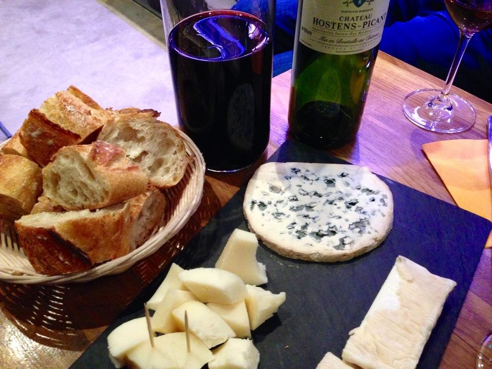 La Vache dans les Vigne Eating in Paris