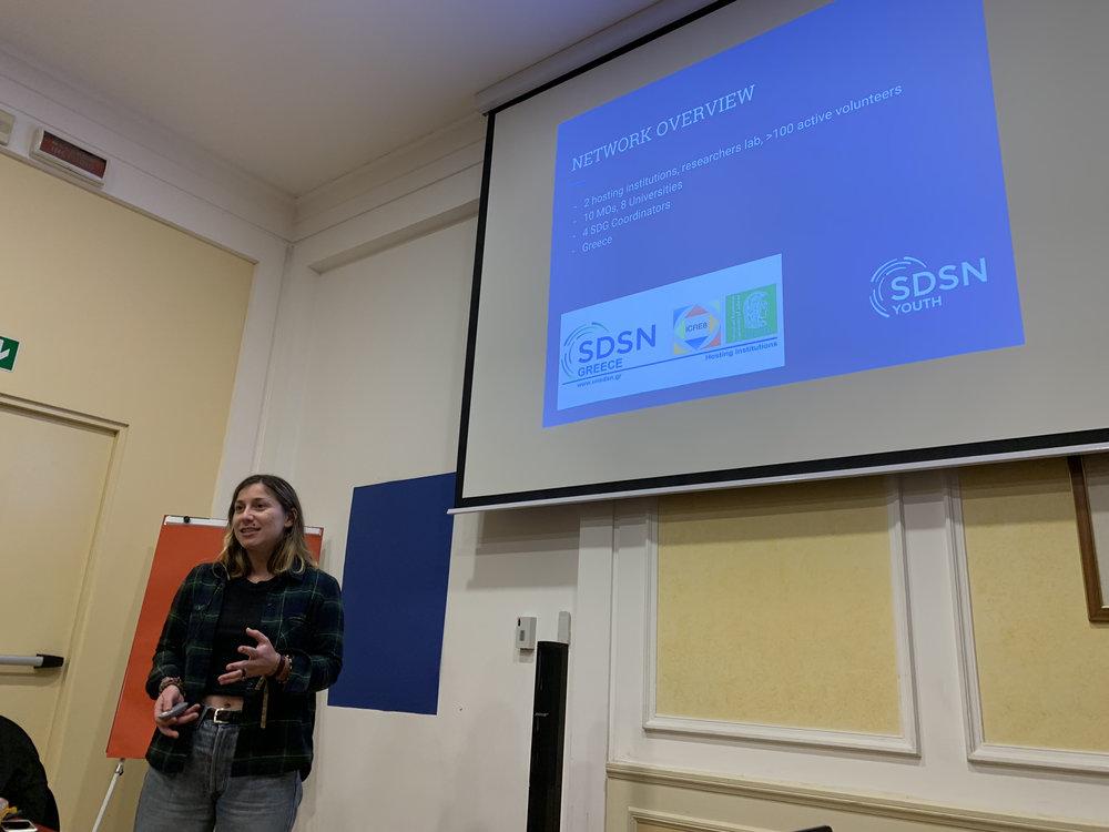Cristina Christoforou Livani gives an enthusiastic presentation about SDSN Greece.  Photo Credits: Yuntong Man/SDSN Youth