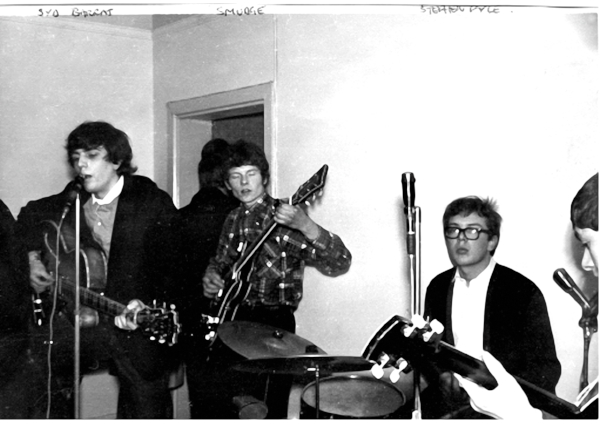 Syd, Smudge and our very own Stephen Pyle on drums. Photo by Charles Stewart. Click on image to enlarge.