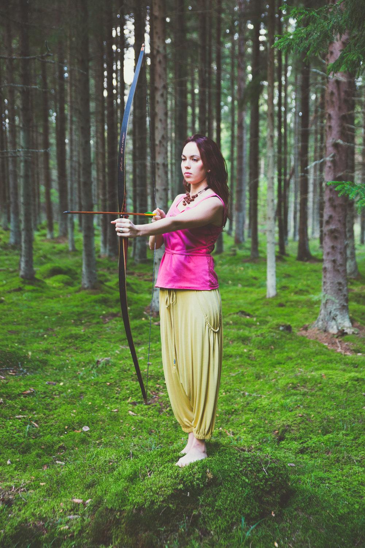 Top: Maddar Hot Yoga top – 59.00 €  Trousers: Turmeric Harem pants – 109.00 €