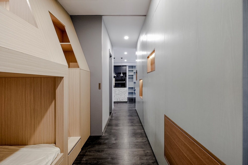 10.Corridor_cover.jpg