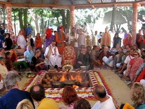 Navaratri Vedic Havan [Fire Ceremony] BABAJI Ashram Haidakhan India.jpg