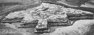 Vedic Brick altar (Pl. XLVI. Purola, Uttarakashi IAR 1988-89).jpg