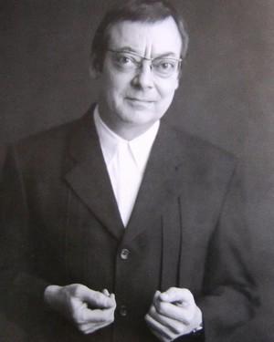 Robert Ryman portrait.jpg