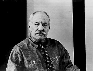 Barnett Newman portrait_300.jpg