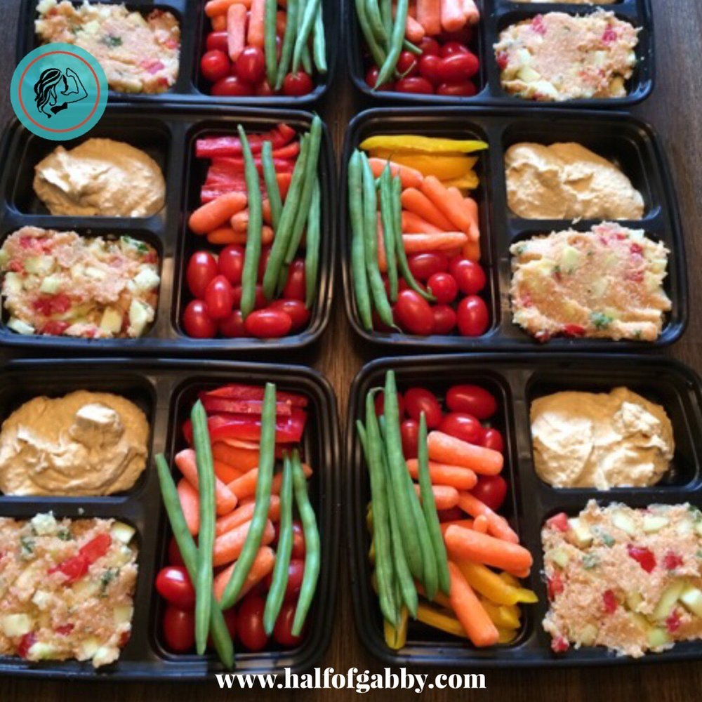 Veggies with Hummus and Quinoa Salad meal prep. I love veggies with hummus, but I did not like the Quinoa Salad,  at all!