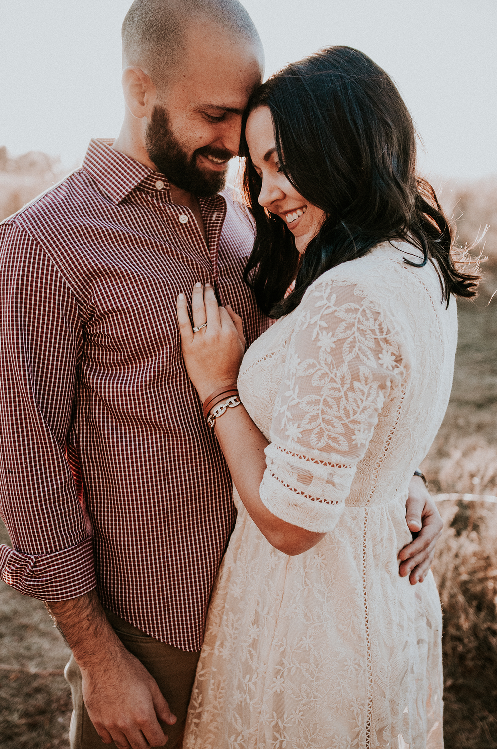 kaylie-sirek-what-to-wear-engagment-session-photos-photography-nebraska-style-ideas-engaged-outfit-ootd