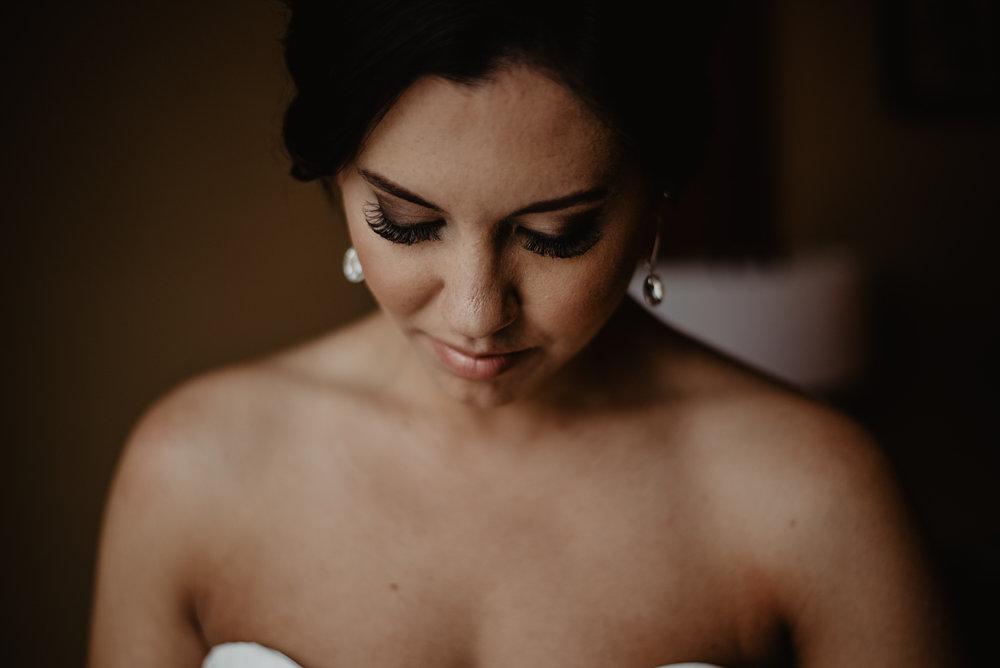 Kaylie_Sirek_Photography_Grand_Island_Kearney_Hastings_Lincoln_Nebraska_Wedding_Engagement_Grandma_Grandparent_Delray_Downtown_DowntownLincoln_LNK_Emotional_Bride_Groom_Photographer_12.jpg