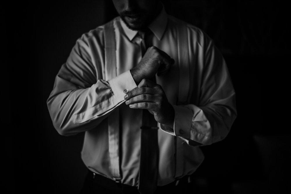Kaylie_Sirek_Photography_Grand_Island_Kearney_Hastings_Lincoln_Nebraska_Wedding_Engagement_Grandma_Grandparent_Delray_Downtown_DowntownLincoln_LNK_Emotional_Bride_Groom_Photographer_18.jpg