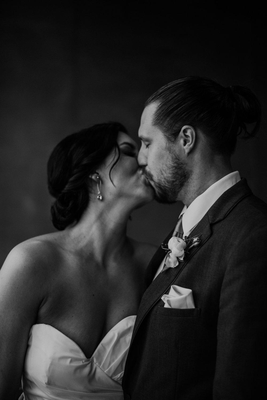 Kaylie_Sirek_Photography_Grand_Island_Kearney_Hastings_Lincoln_Nebraska_Wedding_Engagement_Grandma_Grandparent_Delray_Downtown_DowntownLincoln_LNK_Emotional_Bride_Groom_Photographer_30.jpg